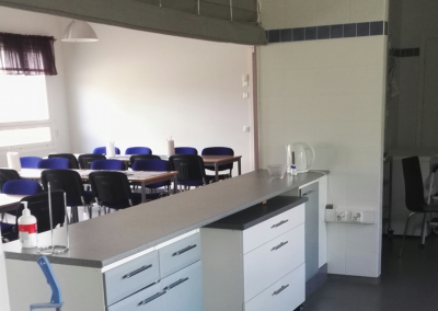 A-talon keittiö ja kokoustila